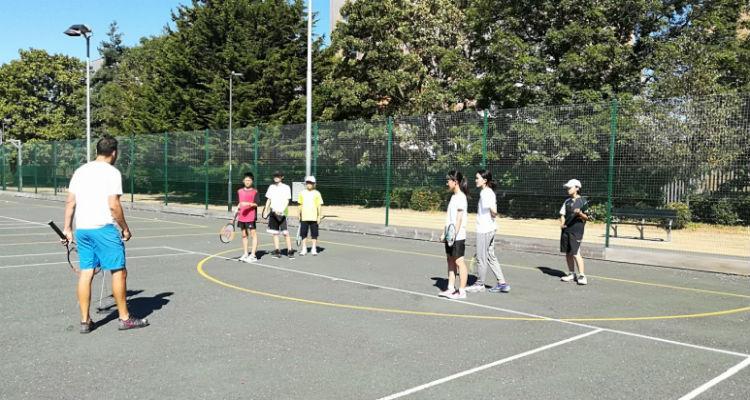 イギリス、テニス、バークシャー