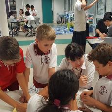 チャレンジ、パース、小学校交流
