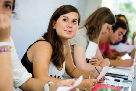 語学留学のメリットと効果